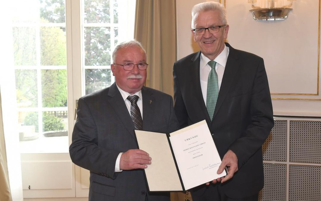 Verlagsautor Wolfgang Urban mit Professorentitel ausgezeichnet