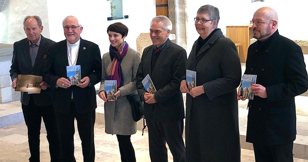 Präsentation des Kunstführers über die Sülchenkirche Rottenburg, erschienen im Kunstverlag Josef Fink